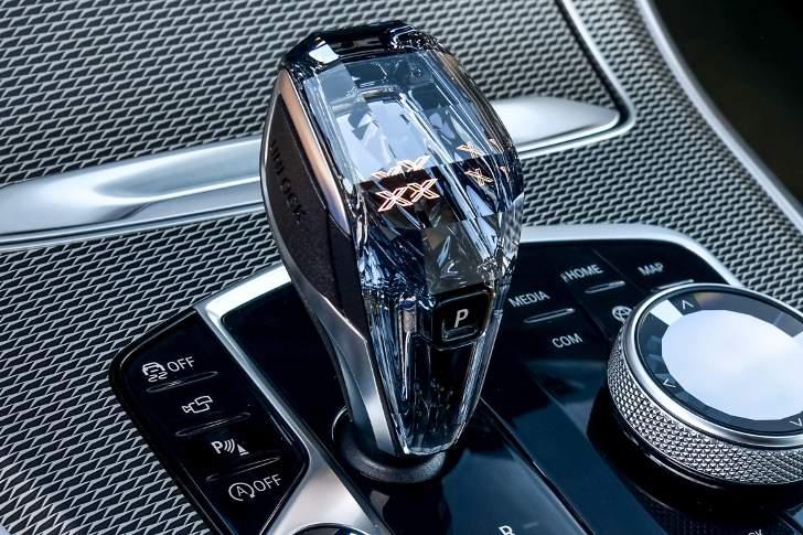 Swarovski в BMW X5 G05 - обзор